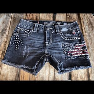 Miss Me Shorts Size 28 NWT's